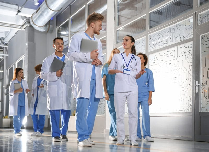 Group,Of,Medical,Students,In,College,Hallway